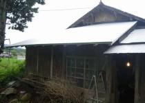軽い金属屋根に葺き替え