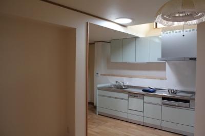 スカイライトチューブを設置したキッチン