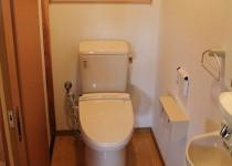 土間通路を利用してトイレを増築
