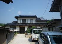 下屋根にも太陽光パネル取付