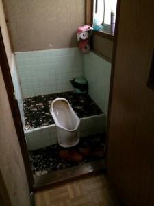 くみ取り式トイレ